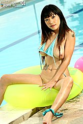 Jenny Lee Baring Big Tits